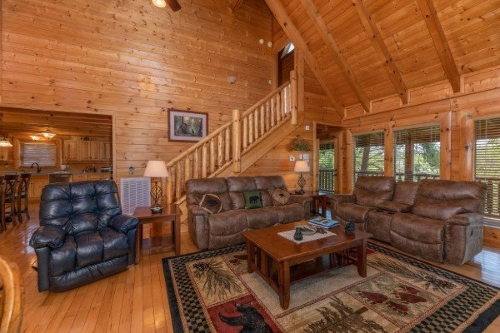 Photo of a Sevierville Cabin named Bear Bottom Retreat - This is the sixth photo in the set.