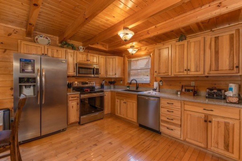 Photo of a Sevierville Cabin named Bear Bottom Retreat - This is the seventh photo in the set.