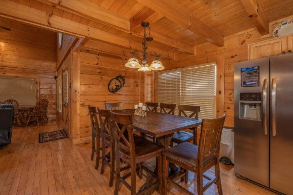 Photo of a Sevierville Cabin named Bear Bottom Retreat - This is the eighth photo in the set.