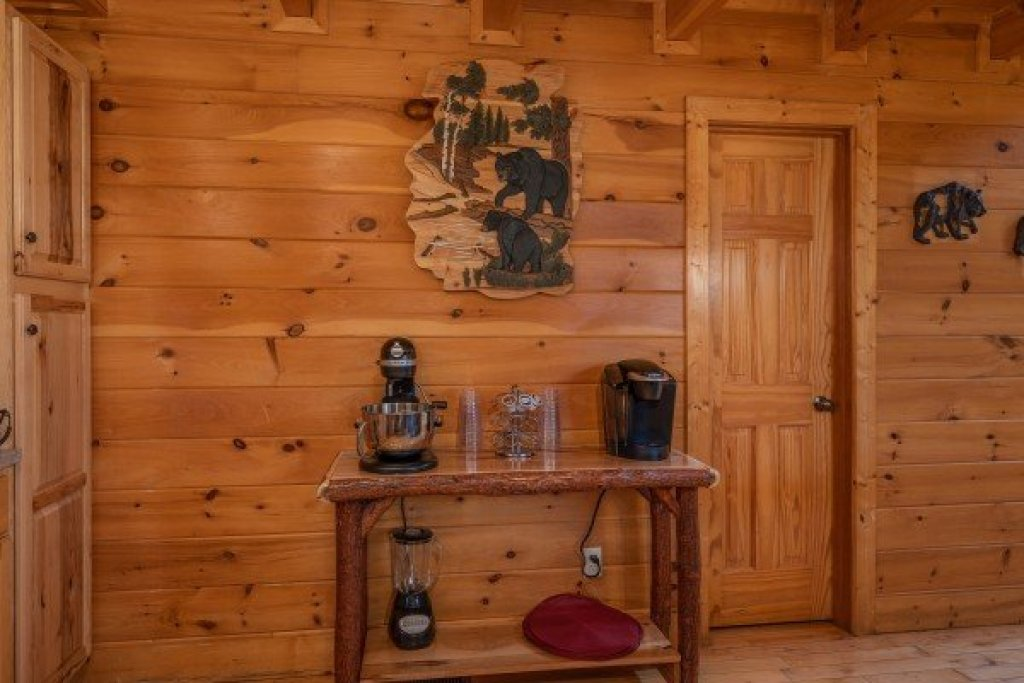 Photo of a Sevierville Cabin named Bear Bottom Retreat - This is the tenth photo in the set.