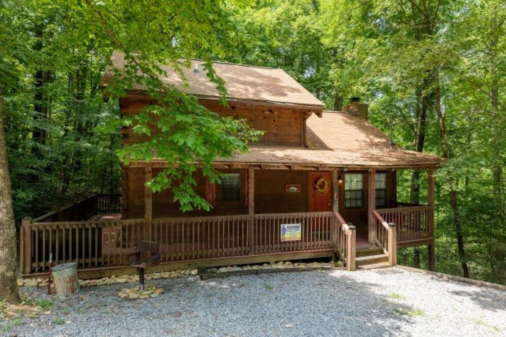 Photo of a Gatlinburg Cabin named Cabin On The Mountain - This is the eighteenth photo in the set.