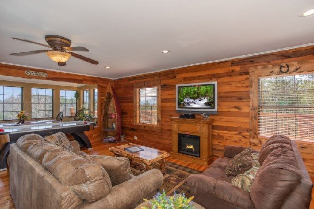 Photo of a Sevierville Cabin named Rustic Roost - This is the fifth photo in the set.