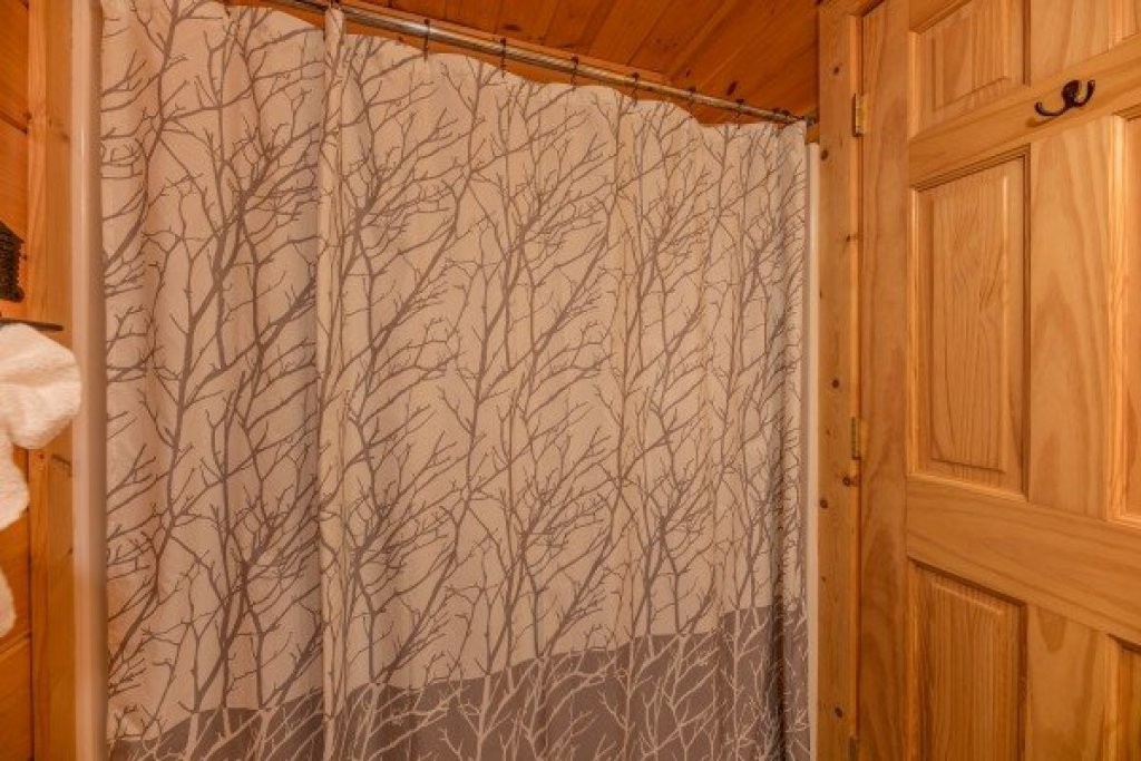 Photo of a Sevierville Cabin named Bear Bottom Retreat - This is the thirtieth photo in the set.