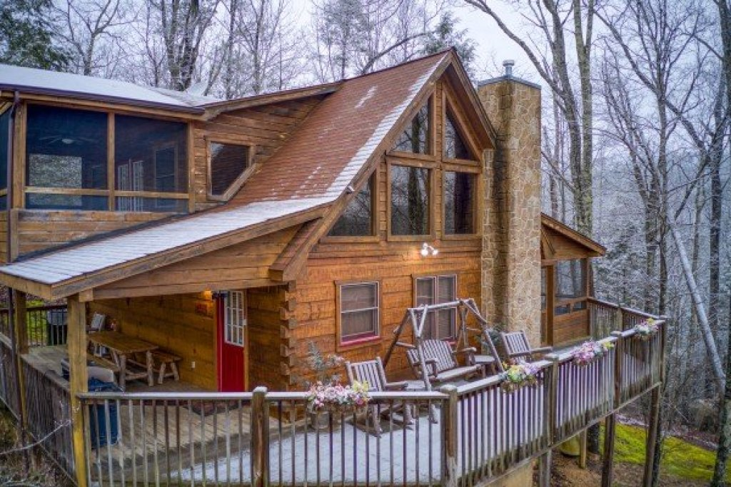 Photo of a Pigeon Forge Cabin named Alpine Romance - This is the fourth photo in the set.