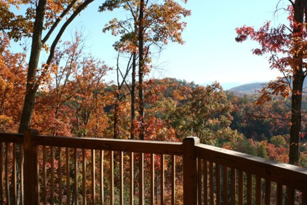 Photo of a Pigeon Forge Cabin named Alpine Romance - This is the thirtieth photo in the set.