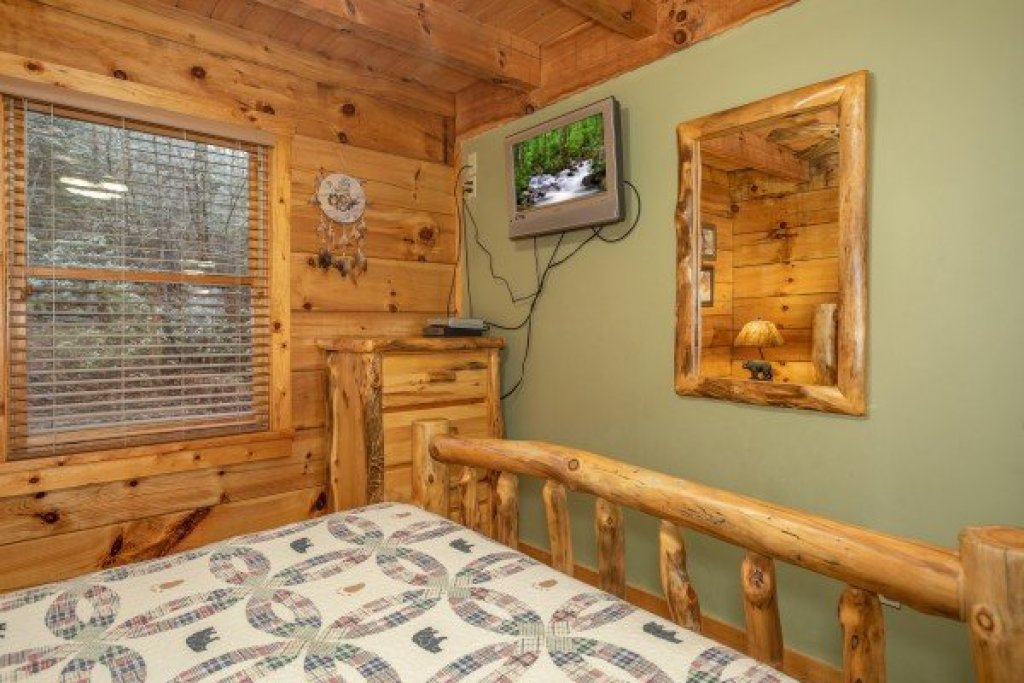 Photo of a Pigeon Forge Cabin named Alpine Romance - This is the eleventh photo in the set.