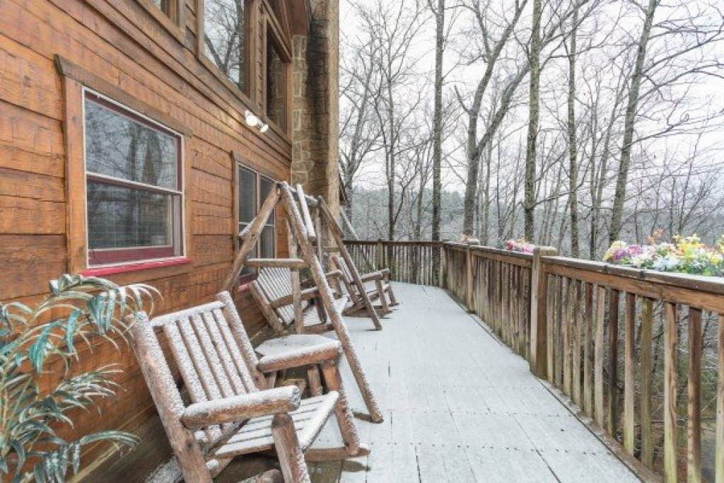 Photo of a Pigeon Forge Cabin named Alpine Romance - This is the twentieth photo in the set.