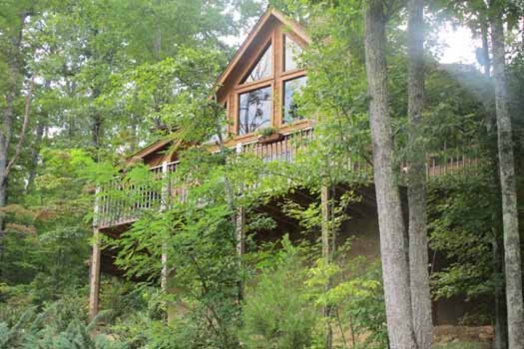Photo of a Pigeon Forge Cabin named Alpine Romance - This is the twenty-eighth photo in the set.
