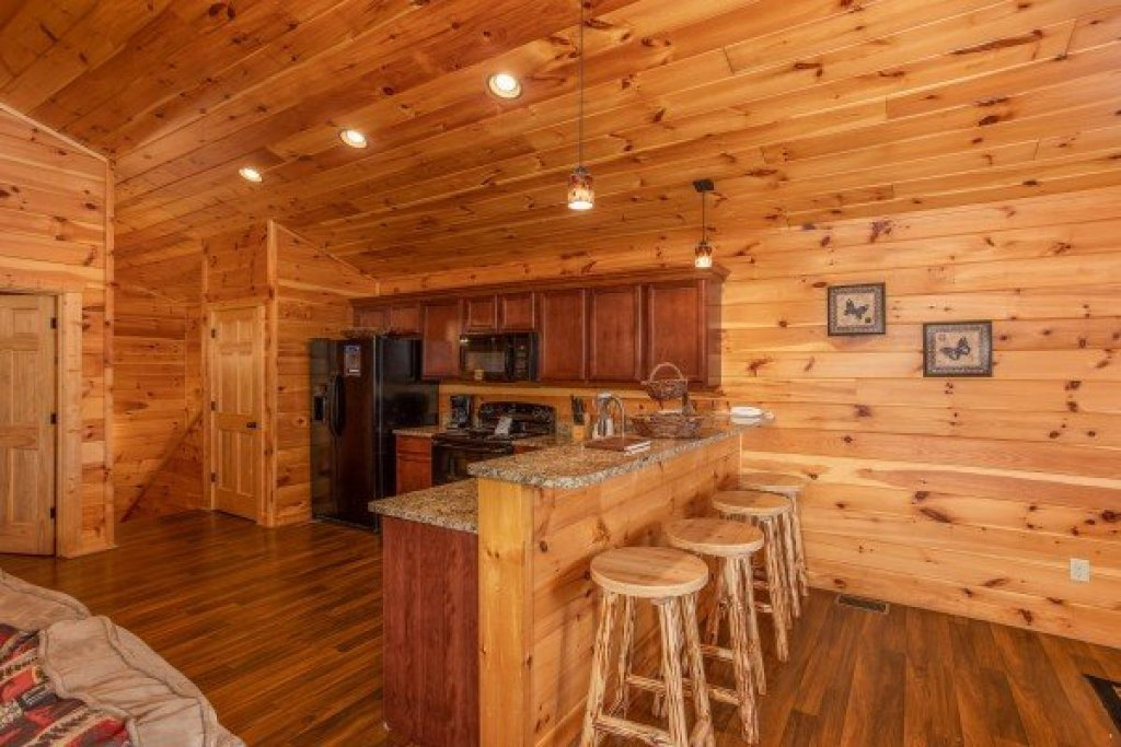 Photo of a Pigeon Forge Cabin named Pinot Paradise - This is the sixth photo in the set.
