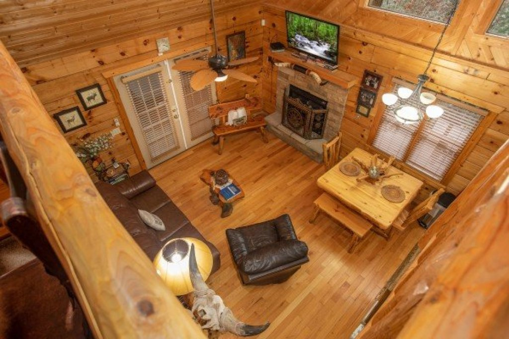 Photo of a Pigeon Forge Cabin named Alpine Romance - This is the twenty-first photo in the set.