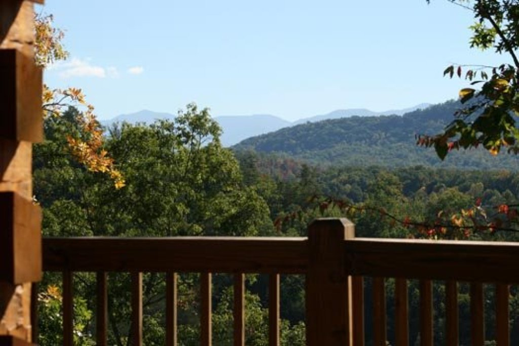 Photo of a Pigeon Forge Cabin named Alpine Romance - This is the twenty-sixth photo in the set.