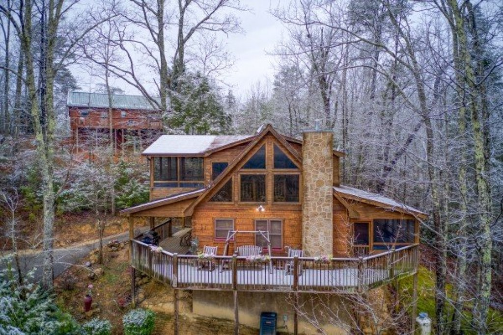 Photo of a Pigeon Forge Cabin named Alpine Romance - This is the first photo in the set.