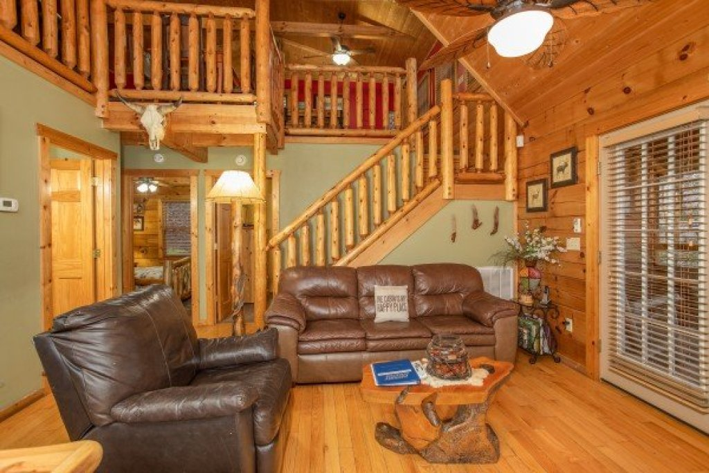 Photo of a Pigeon Forge Cabin named Alpine Romance - This is the sixth photo in the set.