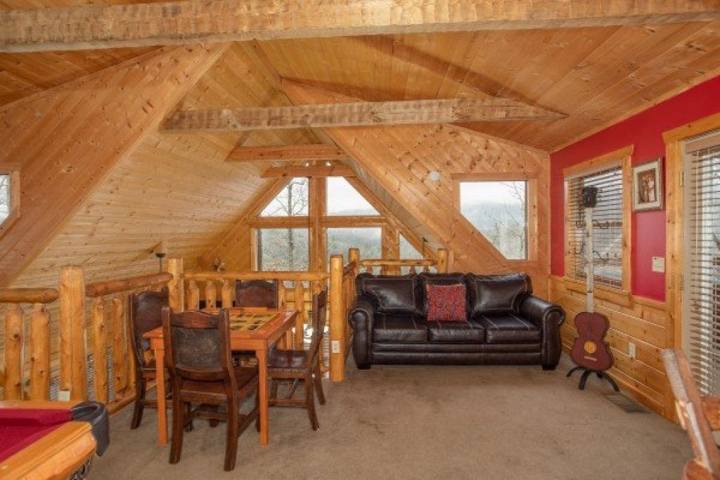 Photo of a Pigeon Forge Cabin named Alpine Romance - This is the twenty-fourth photo in the set.
