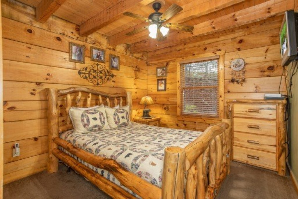 Photo of a Pigeon Forge Cabin named Alpine Romance - This is the tenth photo in the set.