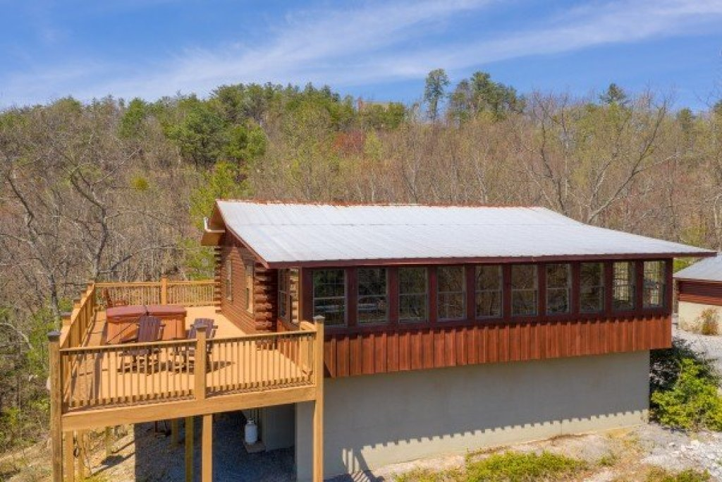 Photo of a Sevierville Cabin named Rustic Roost - This is the twenty-first photo in the set.