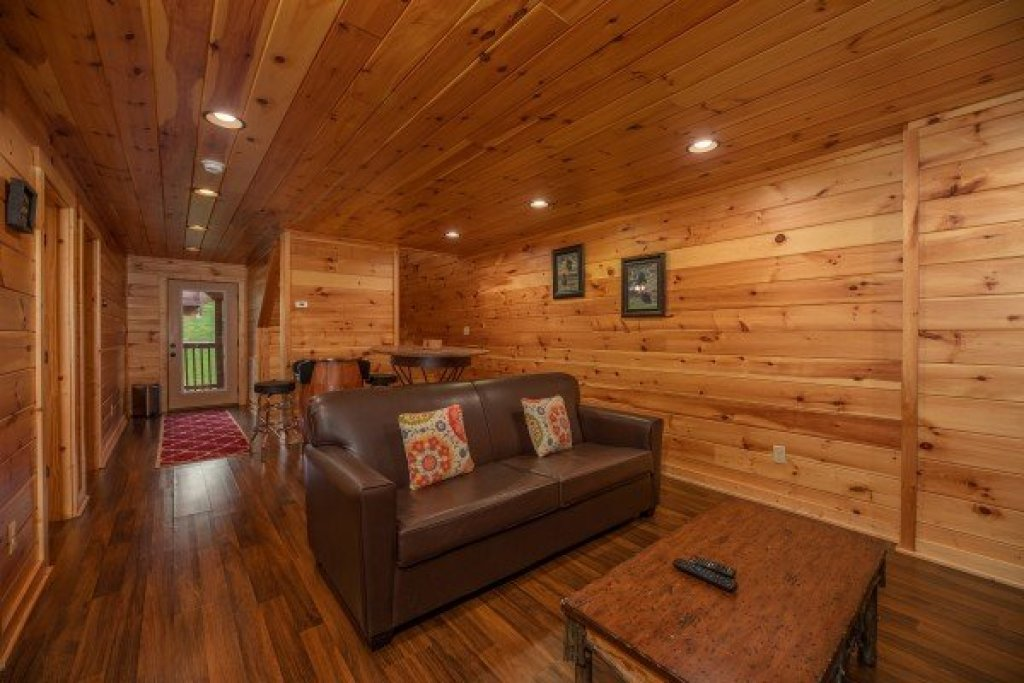 Photo of a Pigeon Forge Cabin named Pinot Paradise - This is the twelfth photo in the set.