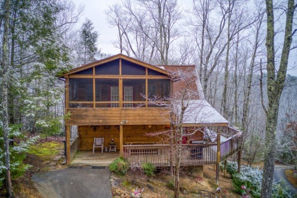 Photo of a Pigeon Forge Cabin named Alpine Romance - This is the thirty-fourth photo in the set.