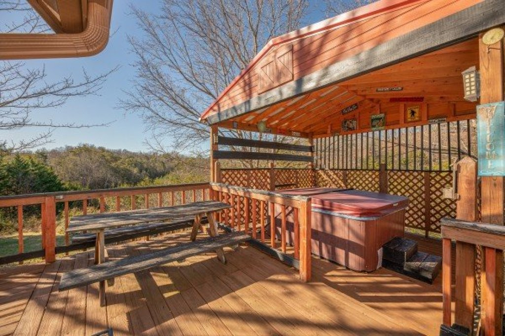 Photo of a Pigeon Forge Cabin named Leconte Nirvana - This is the ninth photo in the set.