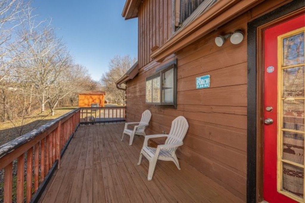 Photo of a Pigeon Forge Cabin named Leconte Nirvana - This is the eighteenth photo in the set.