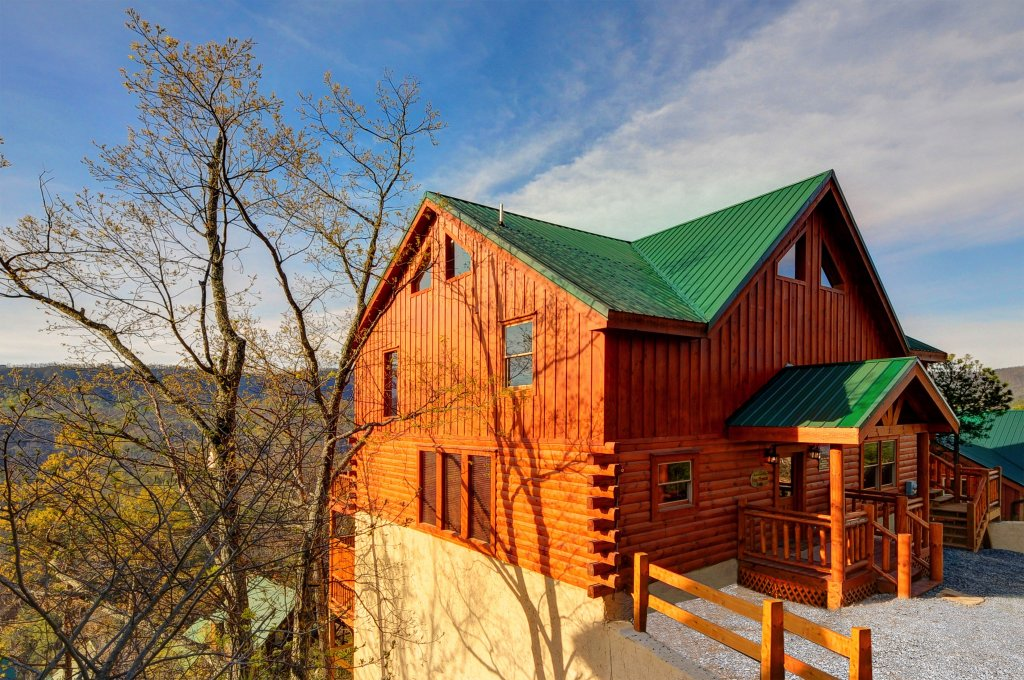 Photo of a Pigeon Forge Cabin named Kings Mountain Lodge - This is the twenty-eighth photo in the set.