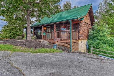 Arrowhead Log Cabin Resort: Snuggle Bear Hideaway Cabin