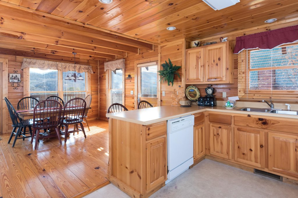 Photo of a Pigeon Forge Cabin named Cloud Nine At Sherwood Forest - This is the eighth photo in the set.