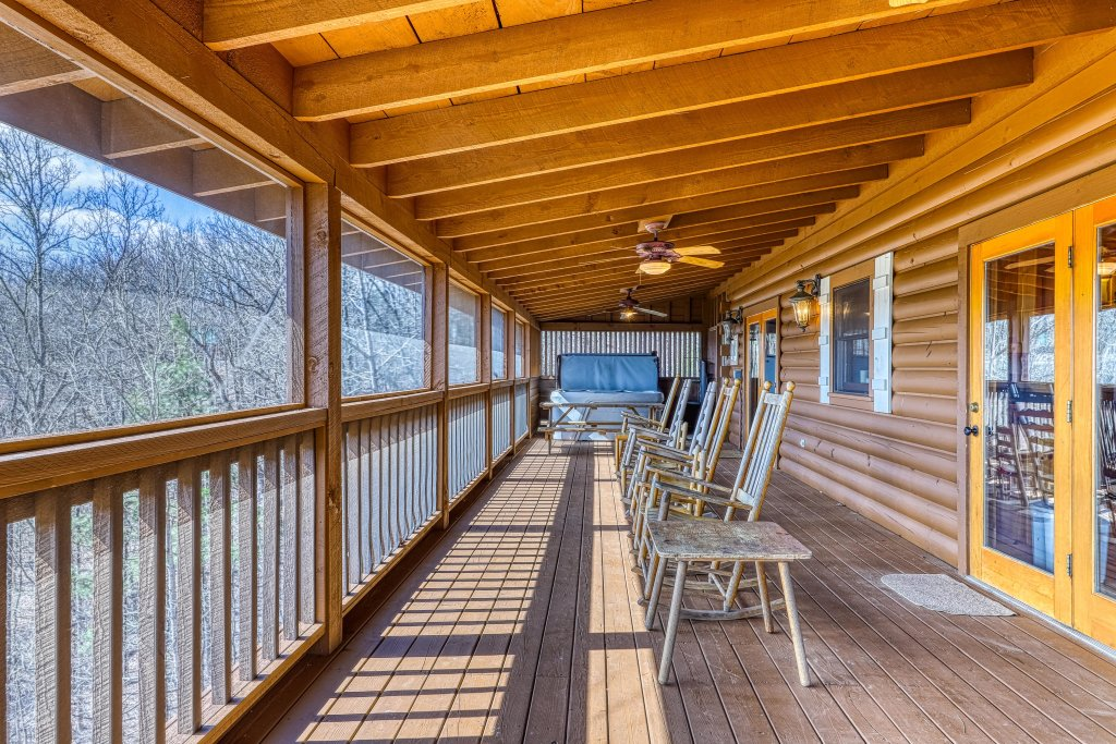 Photo of a Sevierville Cabin named Teddy Bear Lodge - This is the fourth photo in the set.