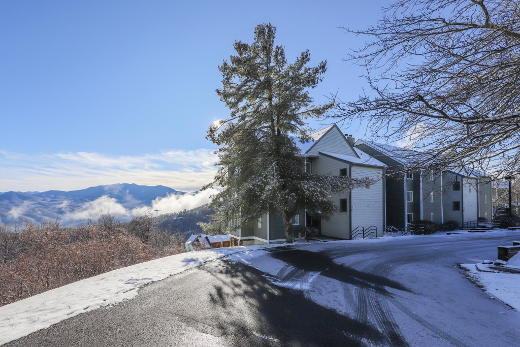 Photo of a Gatlinburg Cabin named Summit View Condo - This is the seventeenth photo in the set.