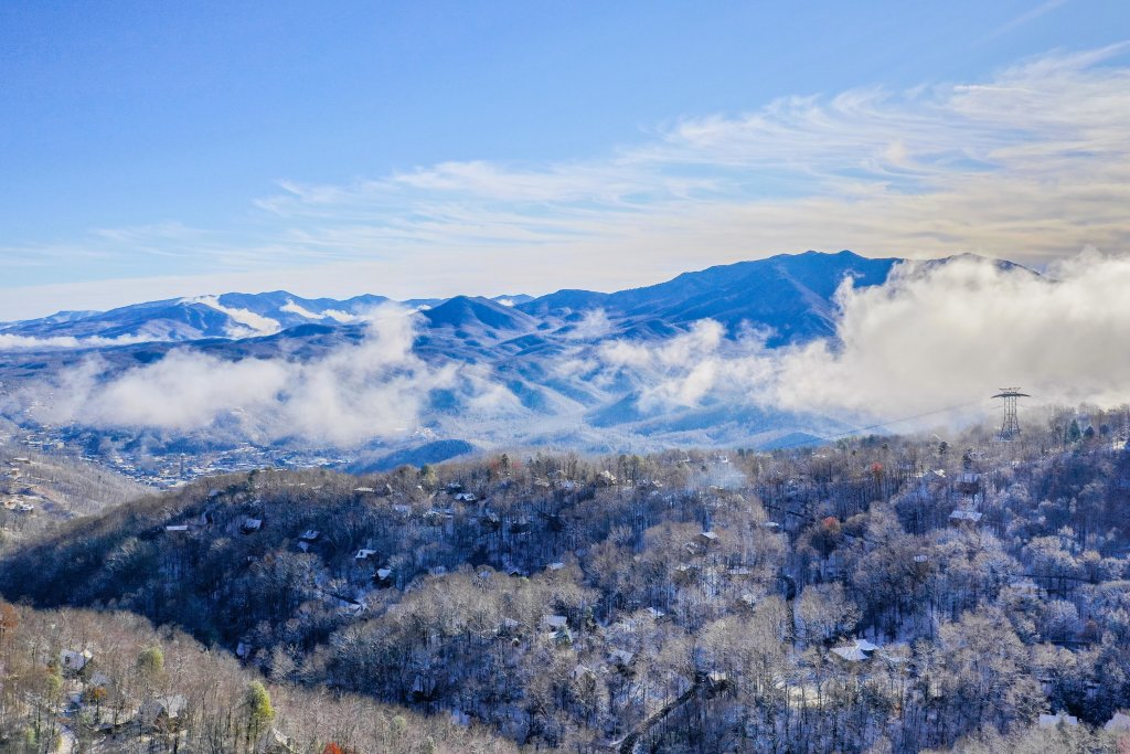 Photo of a Gatlinburg Cabin named Summit View Condo - This is the thirtieth photo in the set.