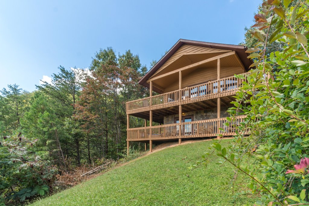 Photo of a Pigeon Forge Cabin named Bow Vista Cabin - This is the second photo in the set.