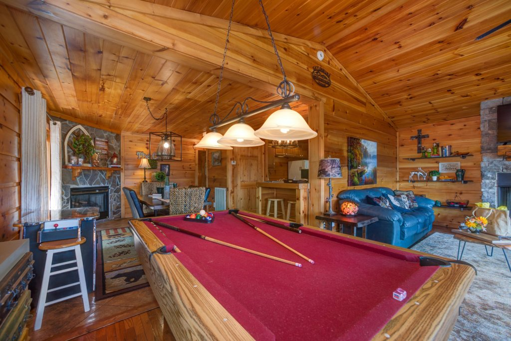 Photo of a Pigeon Forge Cabin named Bow Vista Cabin - This is the twelfth photo in the set.