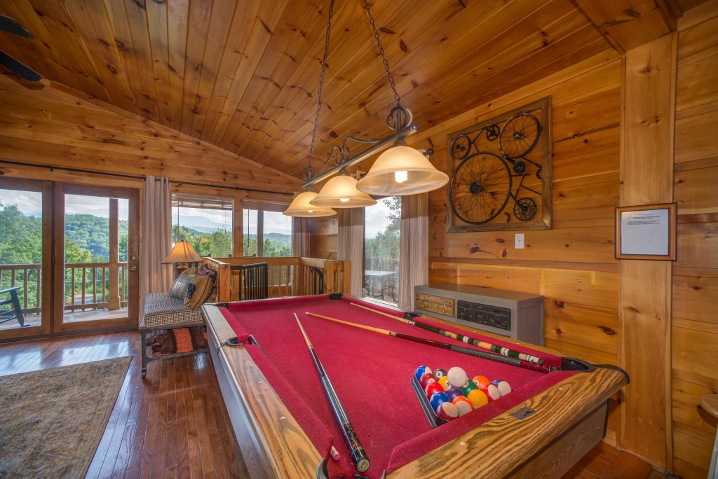 Photo of a Pigeon Forge Cabin named Bow Vista Cabin - This is the thirtieth photo in the set.