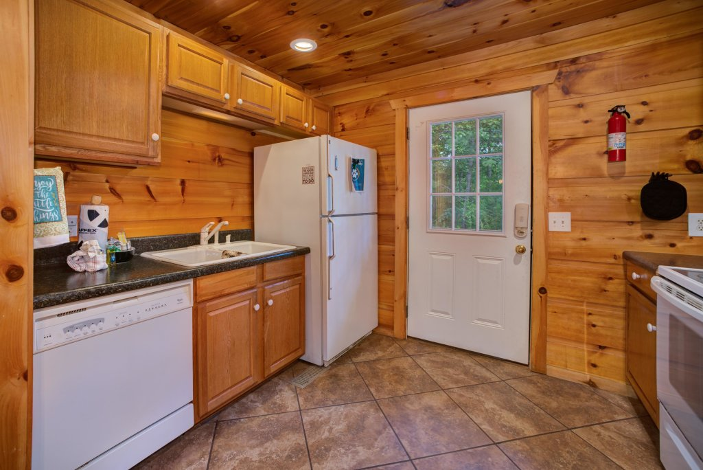 Photo of a Pigeon Forge Cabin named Bow Vista Cabin - This is the thirty-second photo in the set.