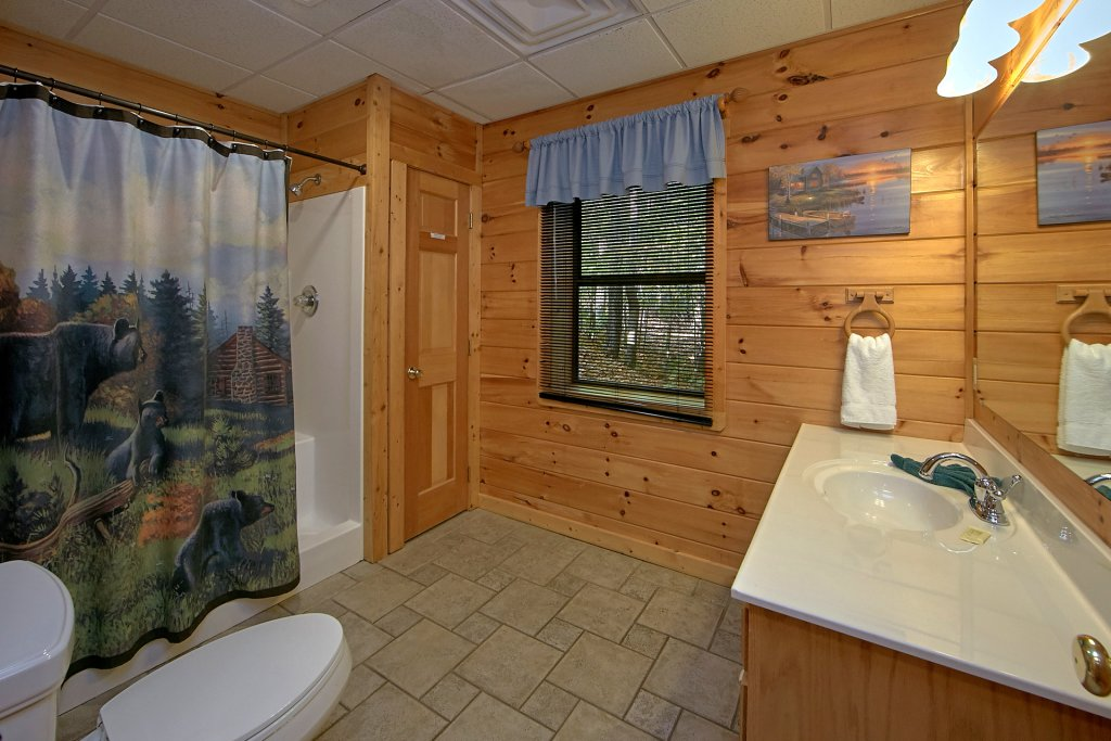 Photo of a Pigeon Forge Cabin named Boulder Bear Lodge #355 - This is the thirtieth photo in the set.
