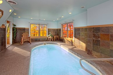 Private Indoor Pool Cabin - Sleeps 8