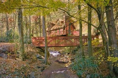 2 Bedroom Pet Friendly Gatlinburg Cabin On A Creek
