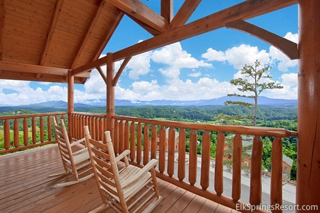 Photo of a Pigeon Forge Cabin named Endless Views (#54) - This is the first photo in the set.