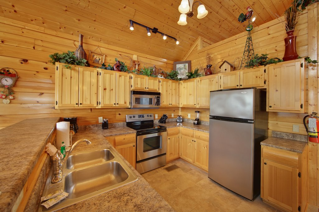 Photo of a Pigeon Forge Cabin named Ridgetop Retreat (#50) - This is the eighth photo in the set.