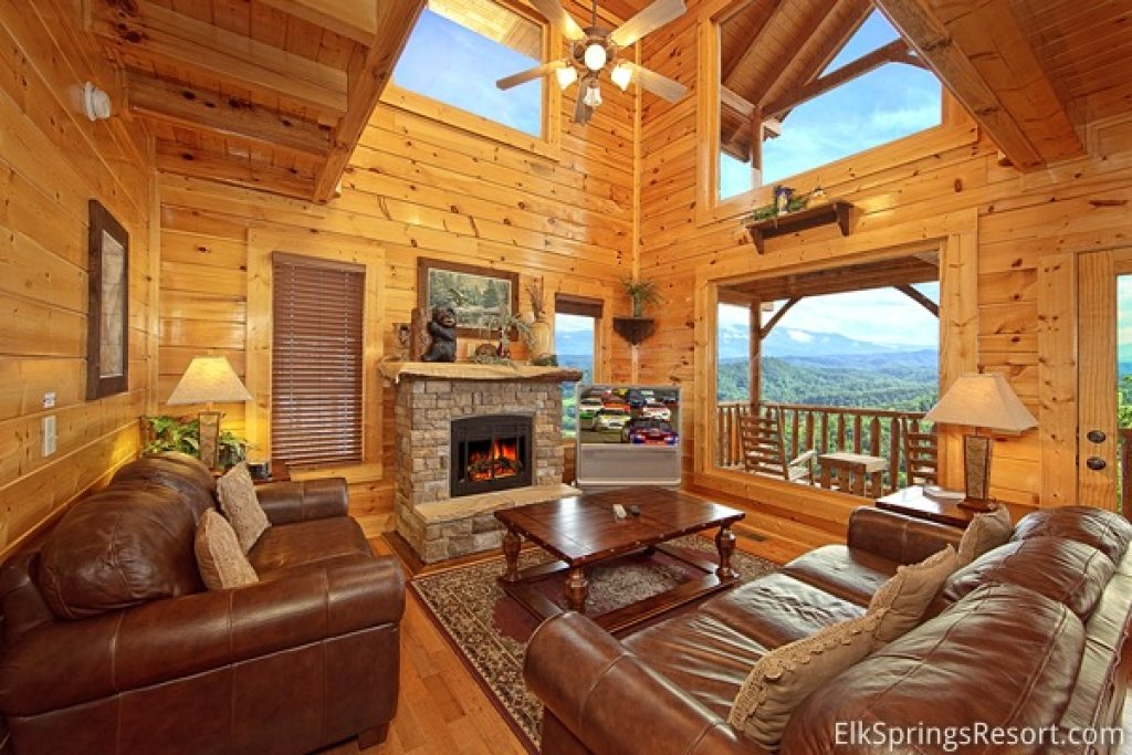 Photo of a Pigeon Forge Cabin named Endless Views (#54) - This is the fifth photo in the set.