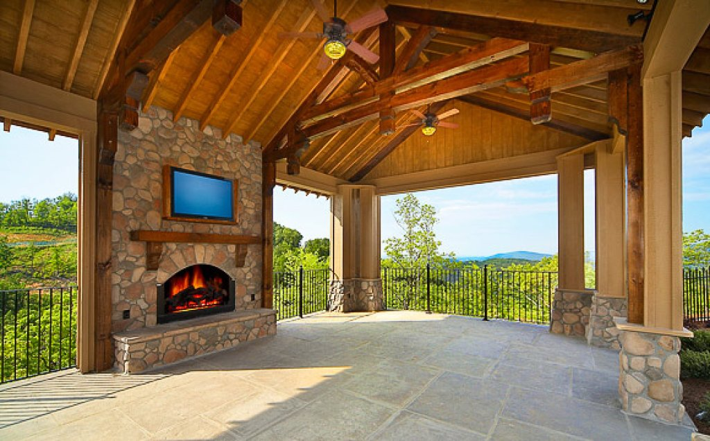 Photo of a Pigeon Forge Cabin named Ridgetop Retreat (#50) - This is the eighteenth photo in the set.