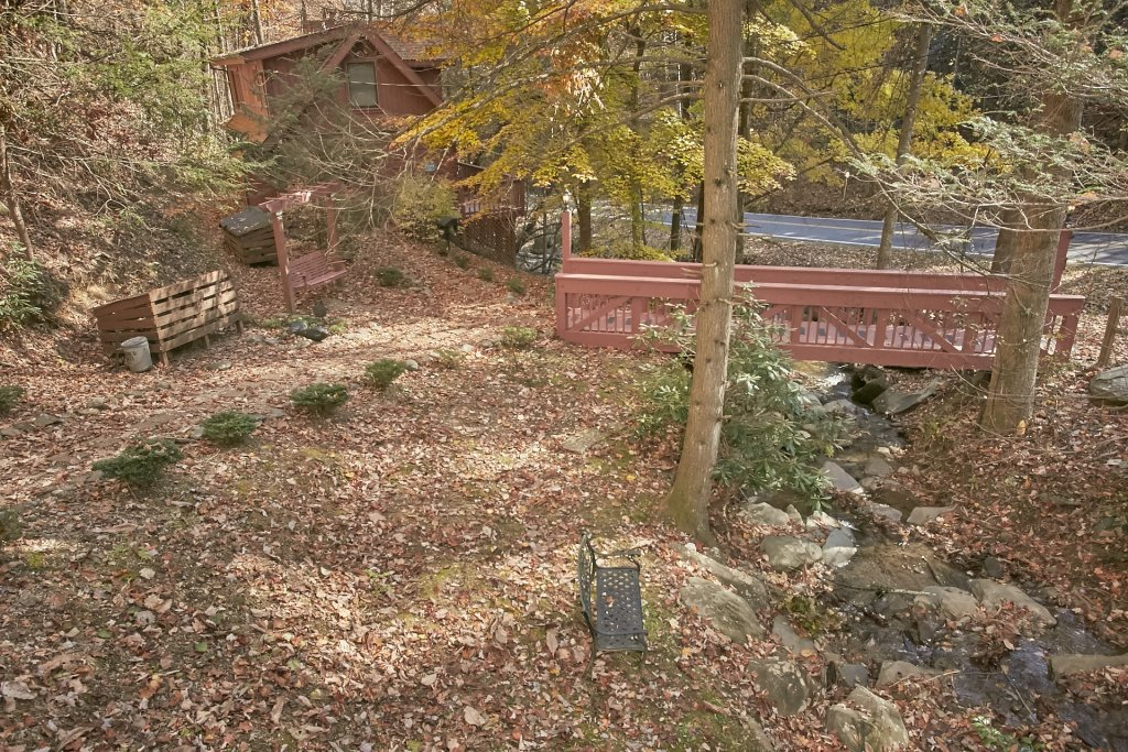 Photo of a Gatlinburg Cabin named Cozy Creek - This is the third photo in the set.