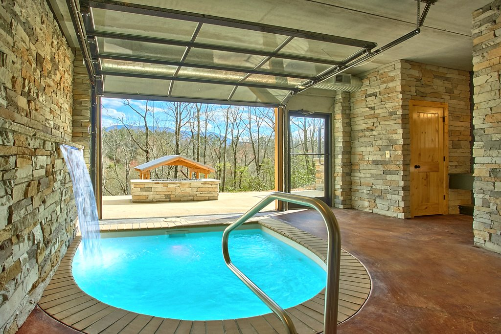 Photo of a Gatlinburg Cabin named Urban Cowboy - This is the first photo in the set.