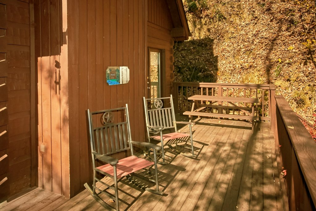 Photo of a Gatlinburg Cabin named Cozy Creek - This is the sixth photo in the set.