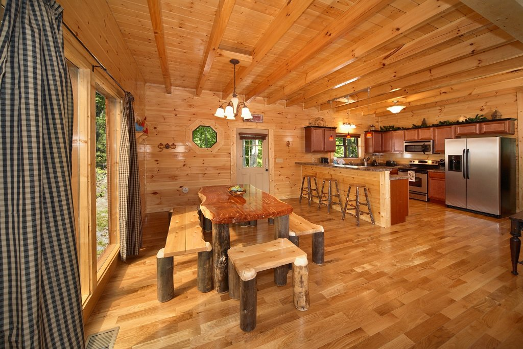 Photo of a Gatlinburg Cabin named Almost Heaven - This is the thirteenth photo in the set.
