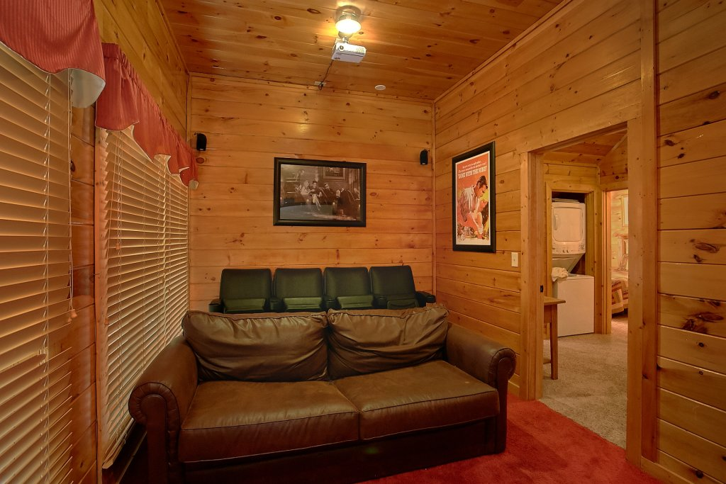 Photo of a Pigeon Forge Cabin named A Mountain View Theater Lodge - This is the fifth photo in the set.