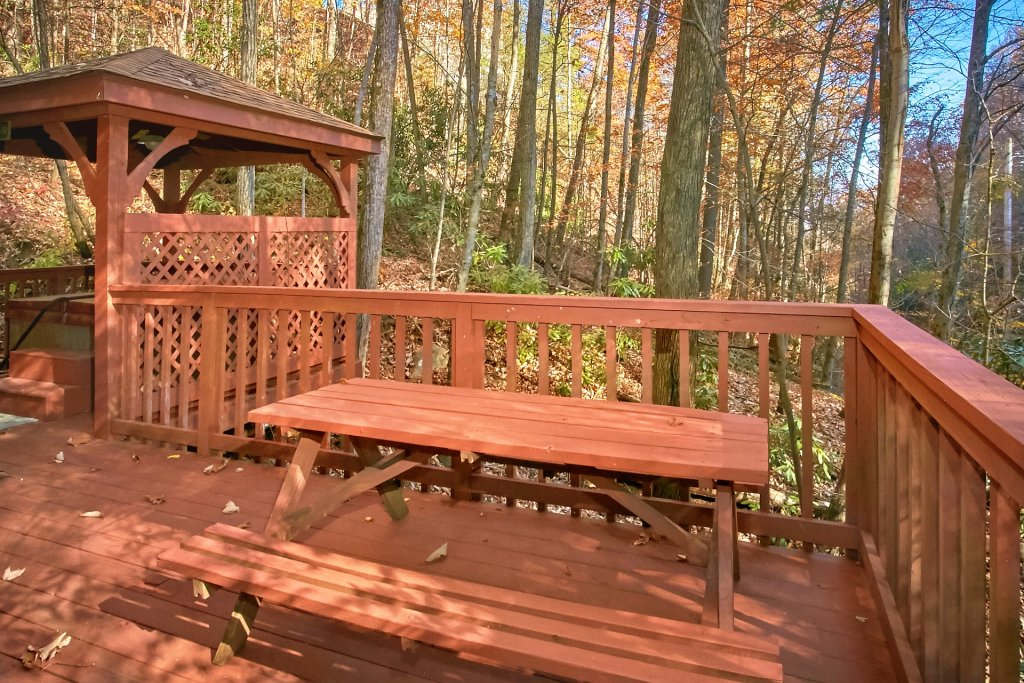 Photo of a Gatlinburg Cabin named Bear Creek - This is the second photo in the set.