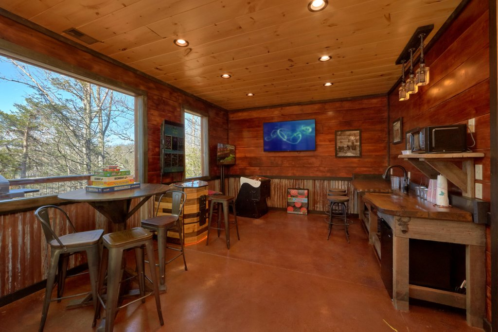 Photo of a Gatlinburg Cabin named Copper Creek Lodge - This is the nineteenth photo in the set.