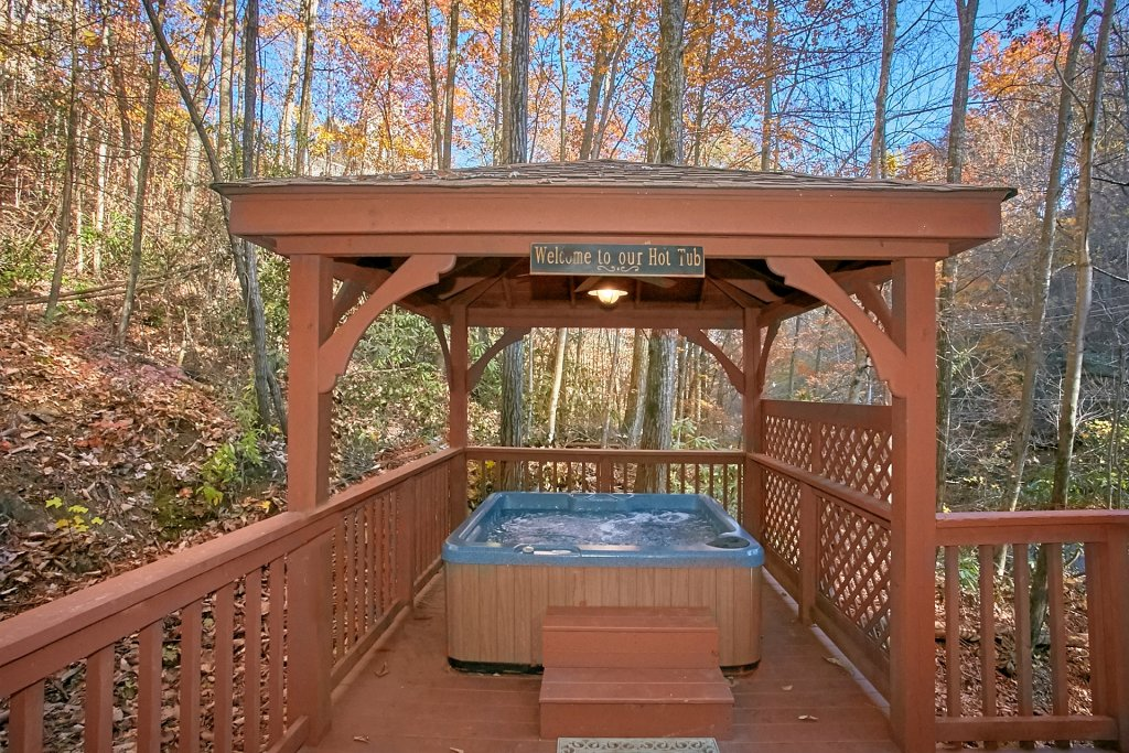 Photo of a Gatlinburg Cabin named Bear Creek - This is the third photo in the set.