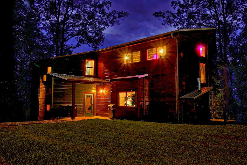 Photo of a Gatlinburg Cabin named Urban Cowboy - This is the thirty-first photo in the set.